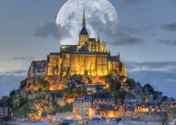 Luna sur St. Michel